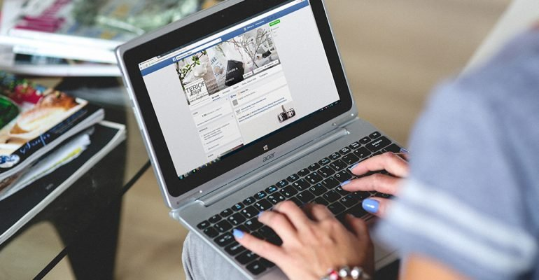 Facebook вводит НДС на рекламу в России